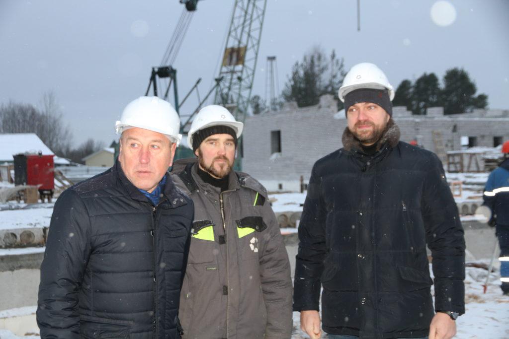 Денис Гладышев остался доволен темпами возведения соцобъектов в районах Поморья