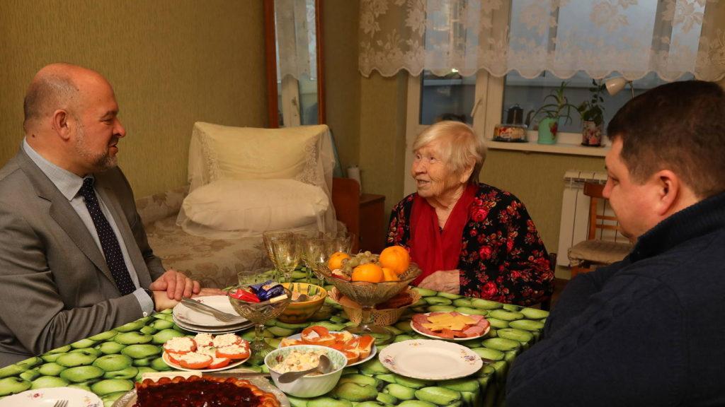 Фронтовая медсестра Любовь Уткина отметила 97-летие