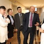 Игорь Орлов поручил создать в Поморье сеть гериатрической помощи