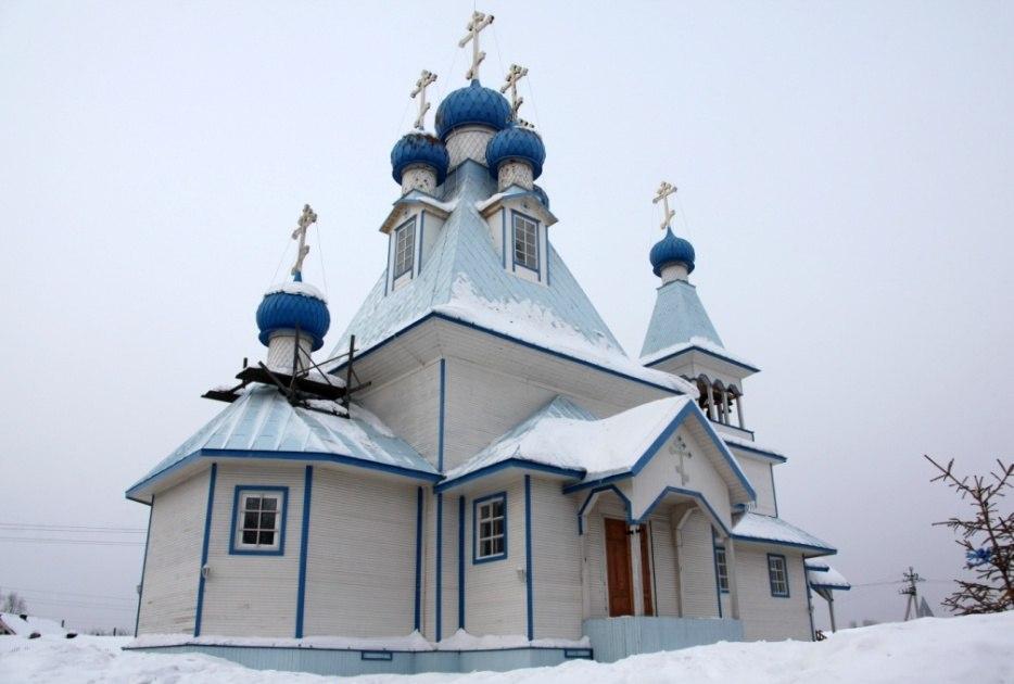 Богослужения в храме святого праведного Иоанна Кронштадтского в поселке Березник Виноградовского района