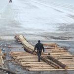 Пешеходный переход на переправе Березник - Осиново в Виноградовском районе укрепляют