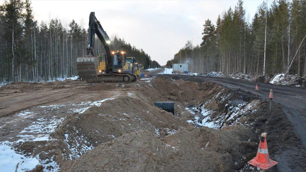 На первом объекте дорожного нацпроекта 2020 года в Архангельской области начались работы