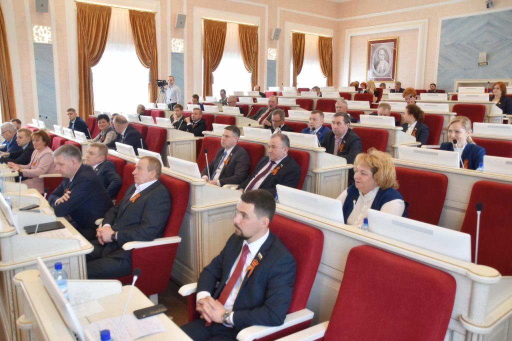 На сессии Архангельского областного Собрания приняты законы о поддержке малого и среднего бизнеса