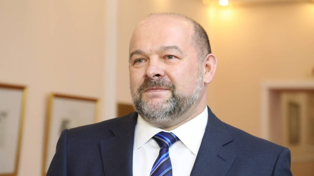 Губернатор Игорь Орлов подал заявление об отставке