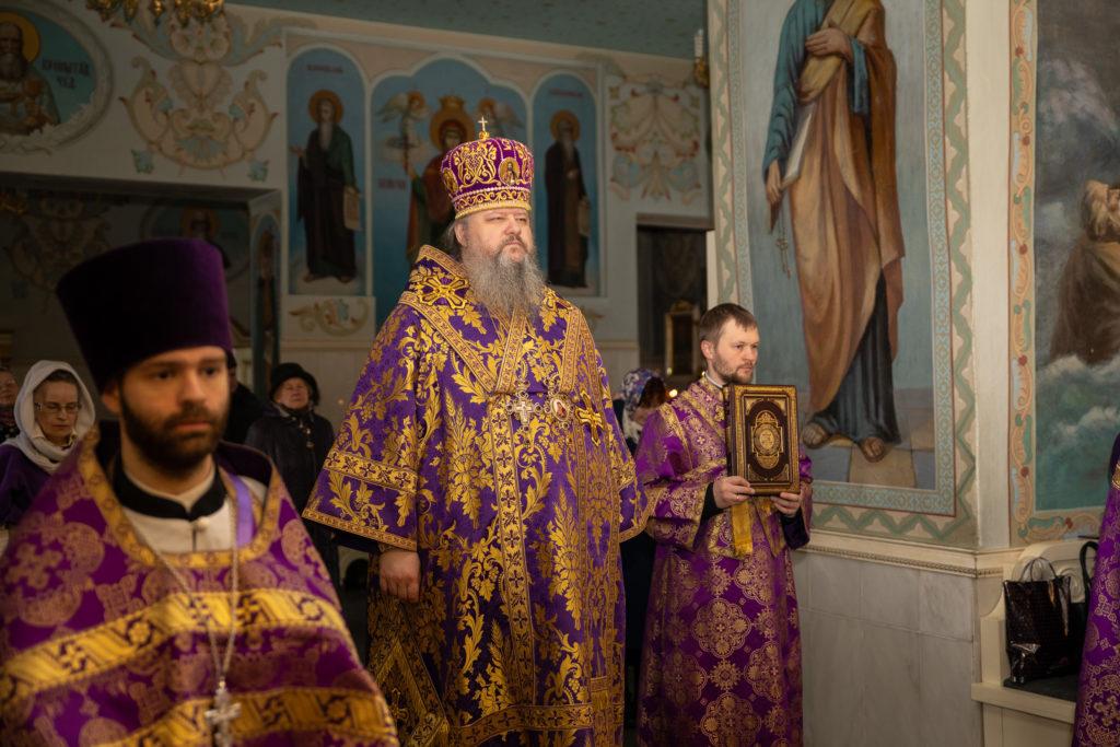 Архангельская митрополия призывает северян на Пасху воздержаться от посещения храмов