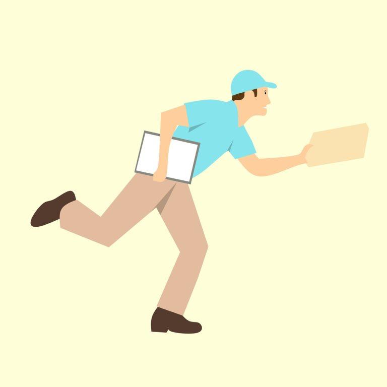 В апреле почтальоны принесут пенсии и пособия всем получателям на дом