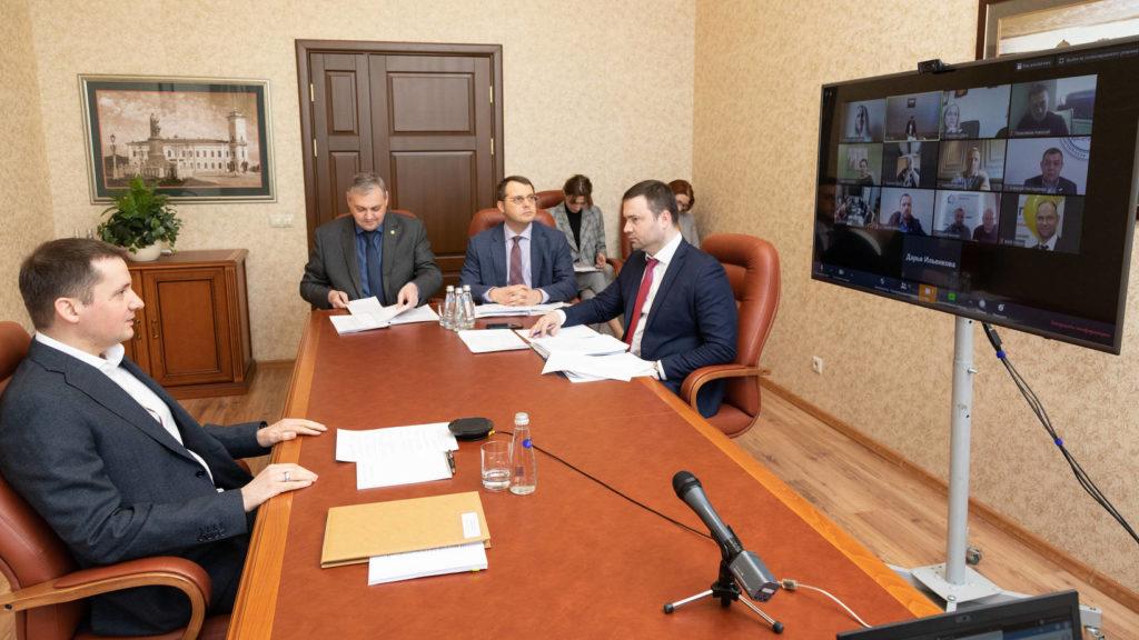 Александр Цыбульский провел встречу с предпринимателями региона в режиме онлайн