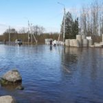 Вода в Северной Двине в районе поселка Березник Виноградовского района идет на спад