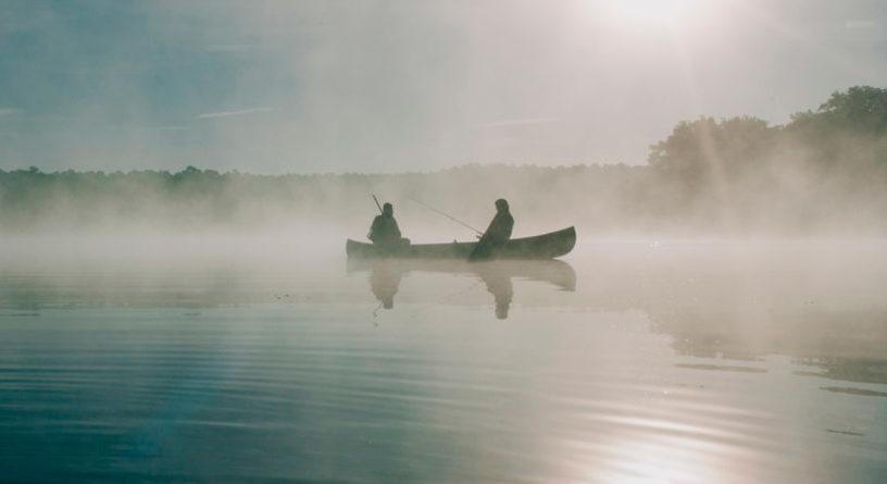 В любое время года не стоит забывать о правилах безопасного поведения на воде