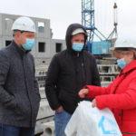 Строители Архангельской области и НАО получают защитные маски от саморегулируемой организации