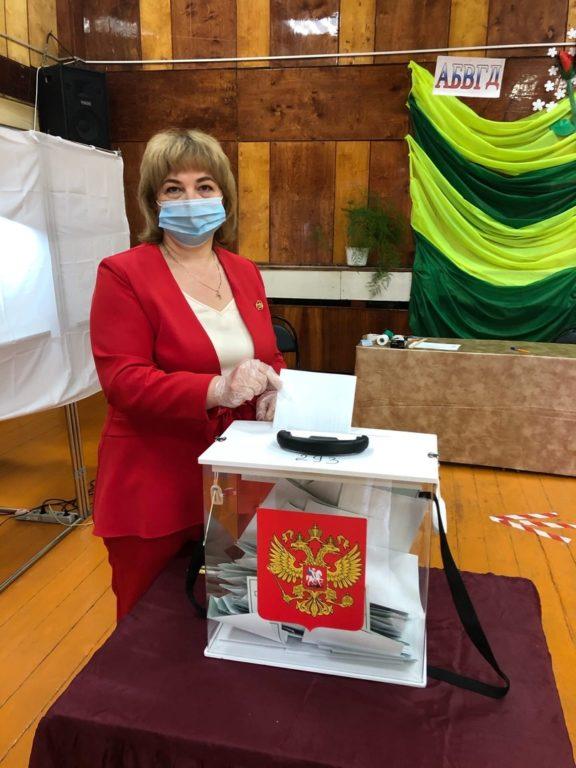 Ирина Ткачева: «Это наша с тобой Конституция. Это наша с тобою страна!»