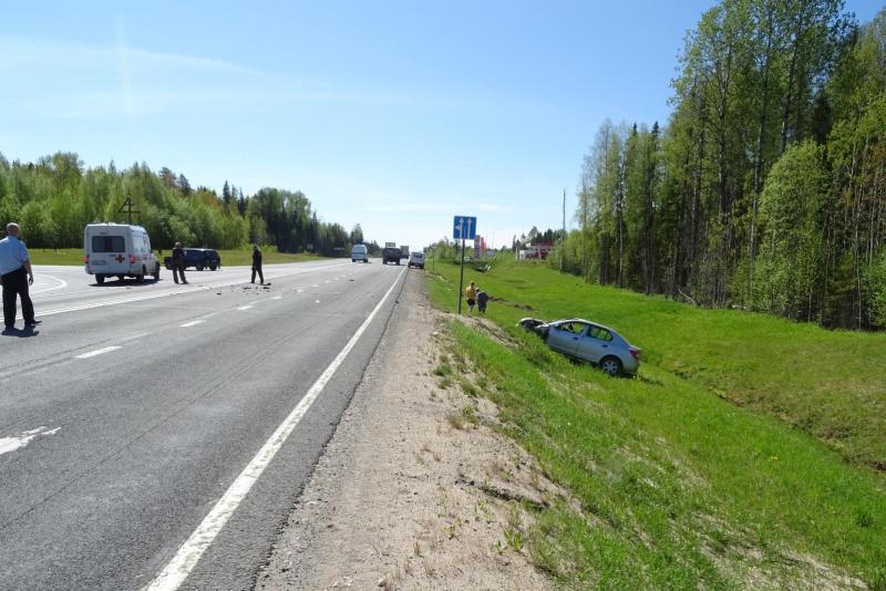 Сотрудниками полиции устанавливаются обстоятельства дорожно-транспортного происшествия в Виноградовском районе с участием трех автомобилей