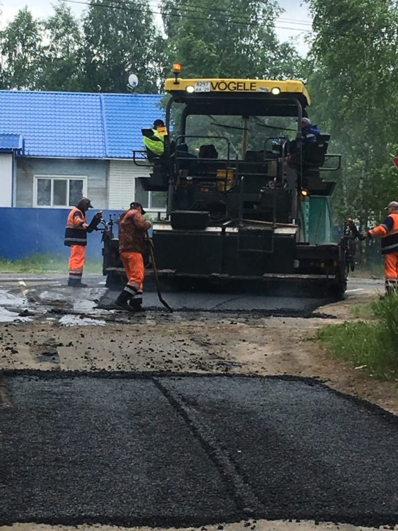 Дорожники приступили к обустройству съездов с М-8 в поселке Березник Виноградовского района