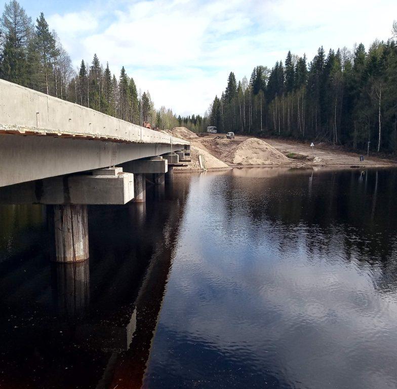 Строительство моста через реку Сельменьга в Виноградовском районе завершат в ноябре этого года