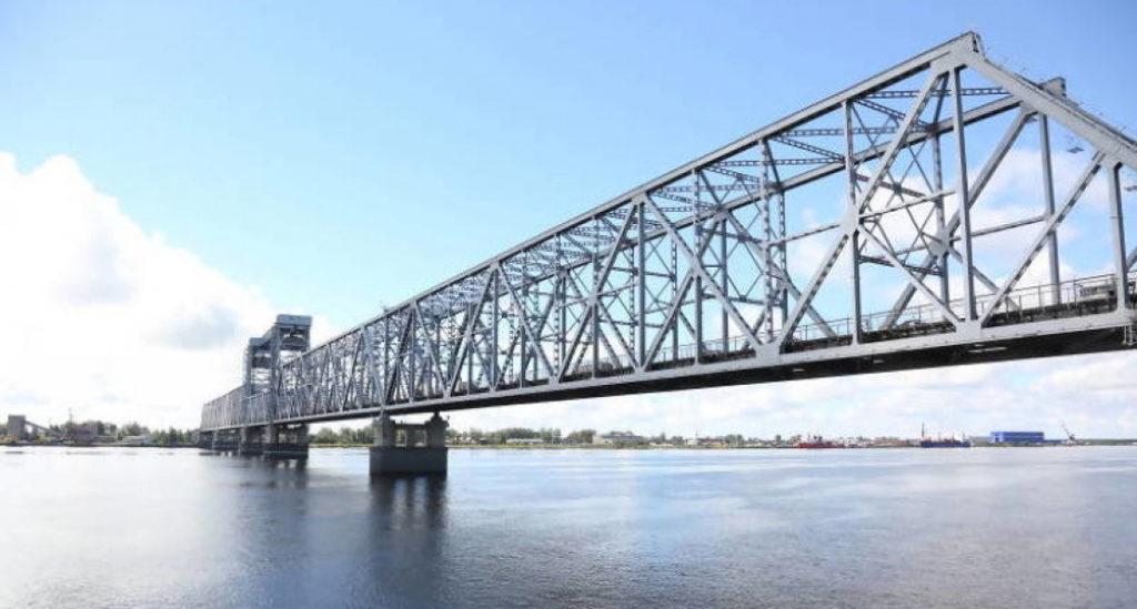 В Архангельске железнодорожный мост через Северную Двину будет закрыт на три дня