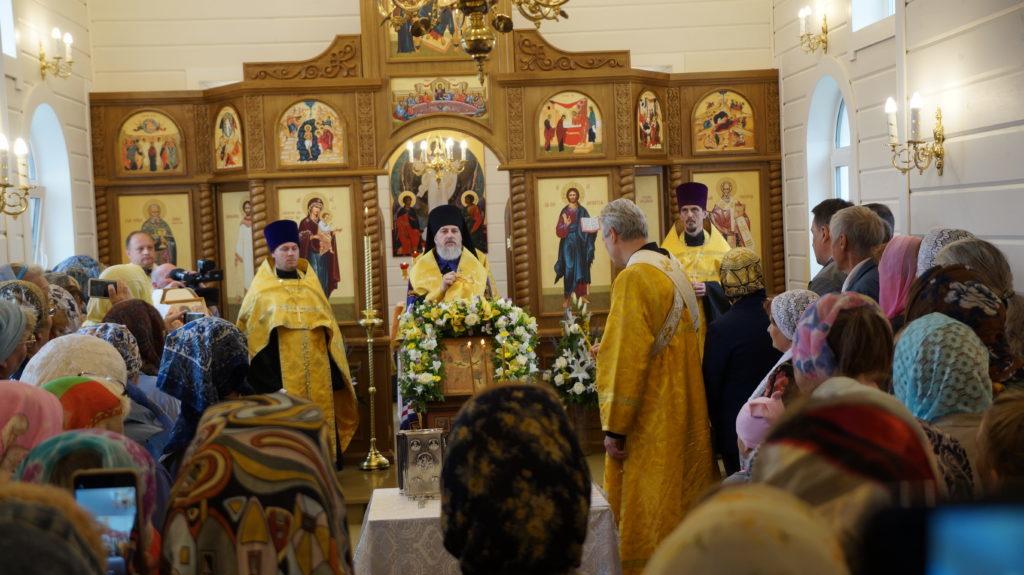 В поселке Сельменьга Виноградовского района прошло освящение храма