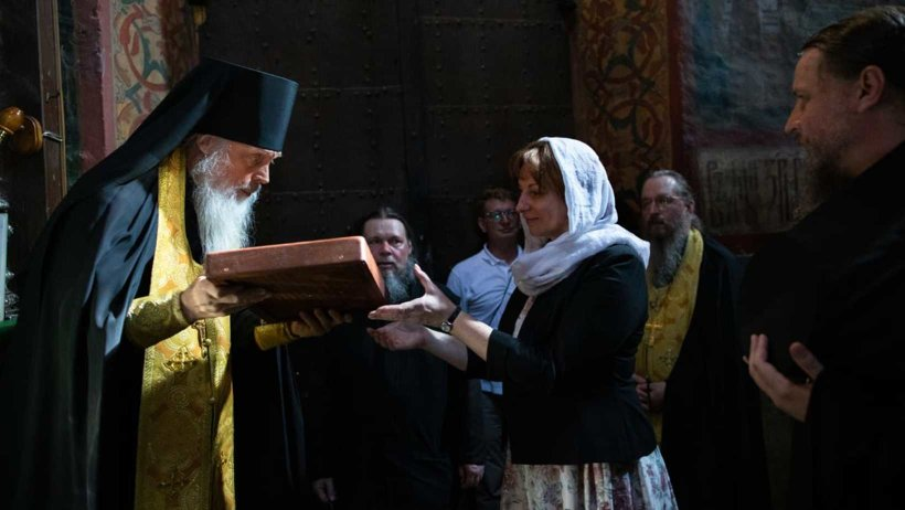 В Троице-Сергиевой Лавре освятили икону, посвященную 500-летию Антониево-Сийского монастыря