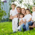Дети из многодетных семей, обучающиеся на дому, получили право на выплаты