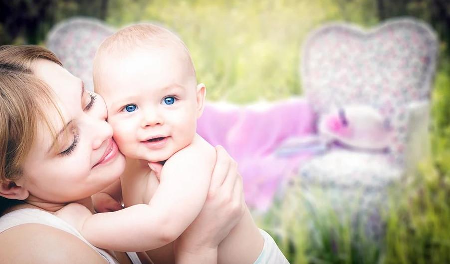 Материнским капиталом можно оплатить учебу в вузе и проживание в общежитии