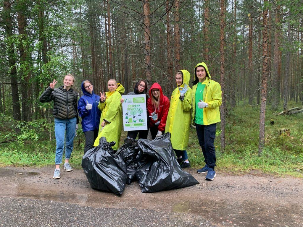 Эковолонтеры Виноградовского района продолжают наводить порядок
