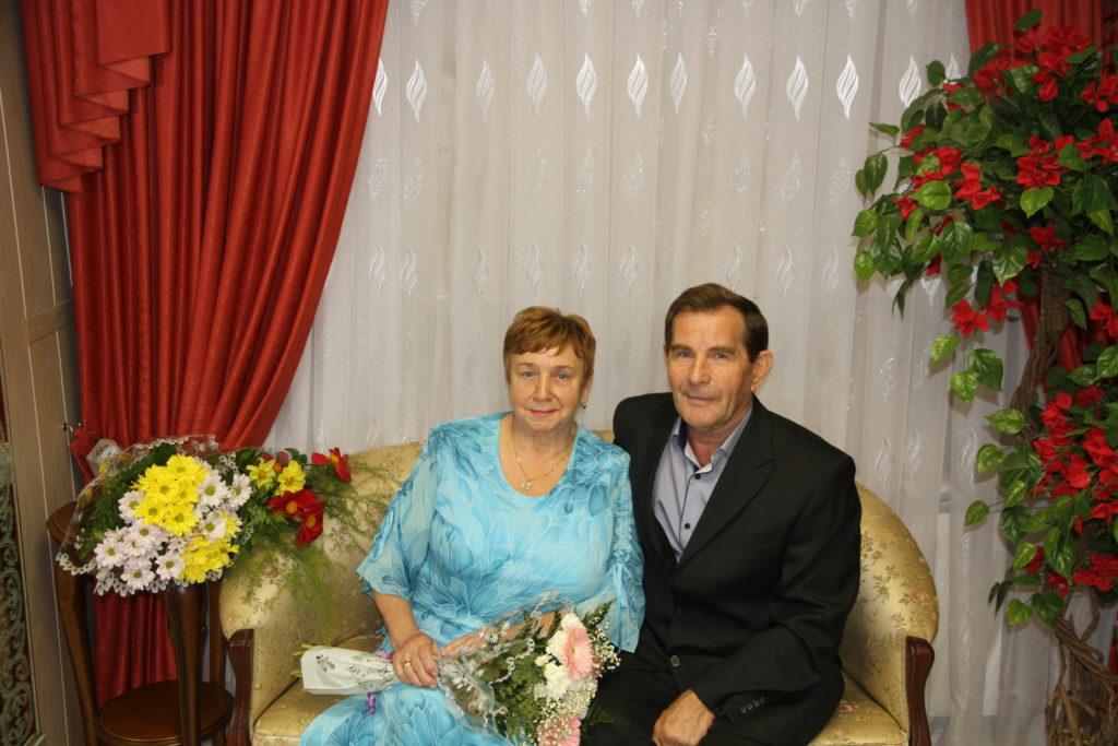 Золотом скрепили свой союз супруги Тихоновы из поселка Березник Виноградовского района