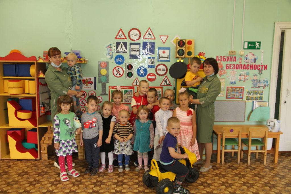 Учить детей и учиться у них –  истинное счастье, считают в моржегорском детском саду «Колобок»