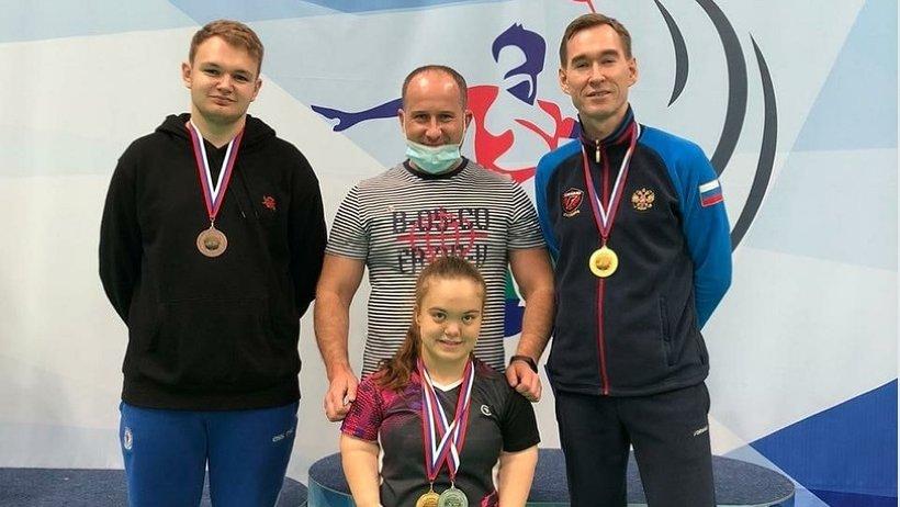 Два золота, серебро и бронзу завоевали наши спортсмены на кубке России по парабадминтону