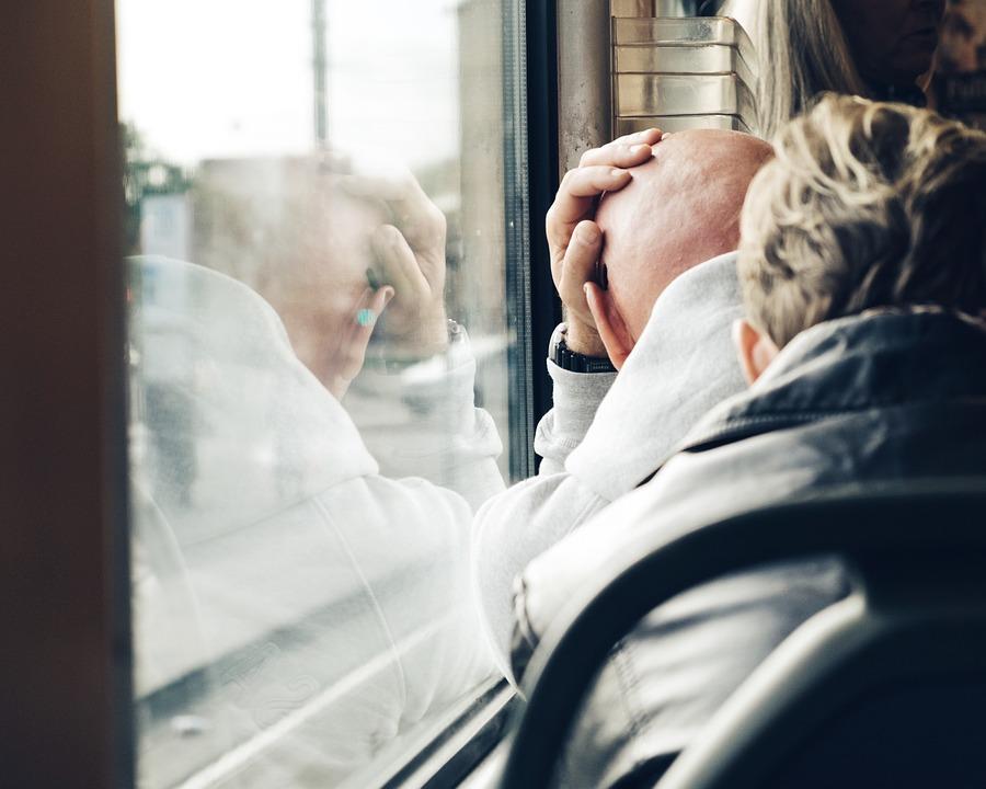 В правительстве региона обсудят возможность введения бесплатного неограниченного проезда северян старше 70 лет на общественном транспорте