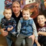 Сегодня - День отца в Архангельской области. В семье Пьянковых из Березника папиной любви хватает на всех