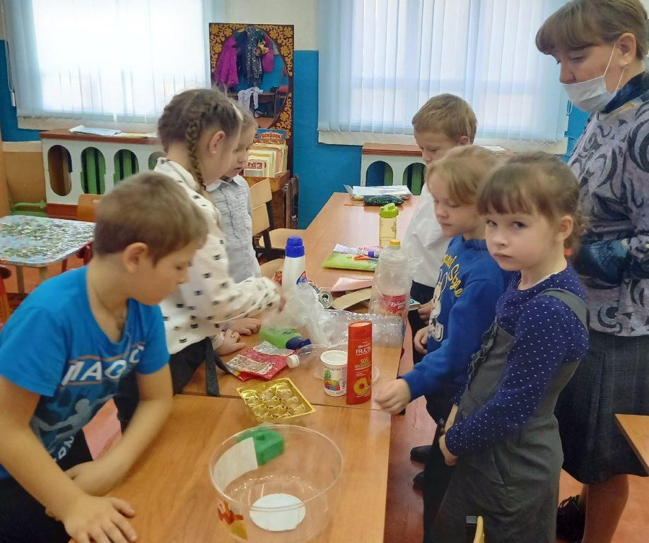 Жители поселка Пянда Виноградовского района задумались об экологической безопасности и реализовали проекты по раздельному сбору мусора