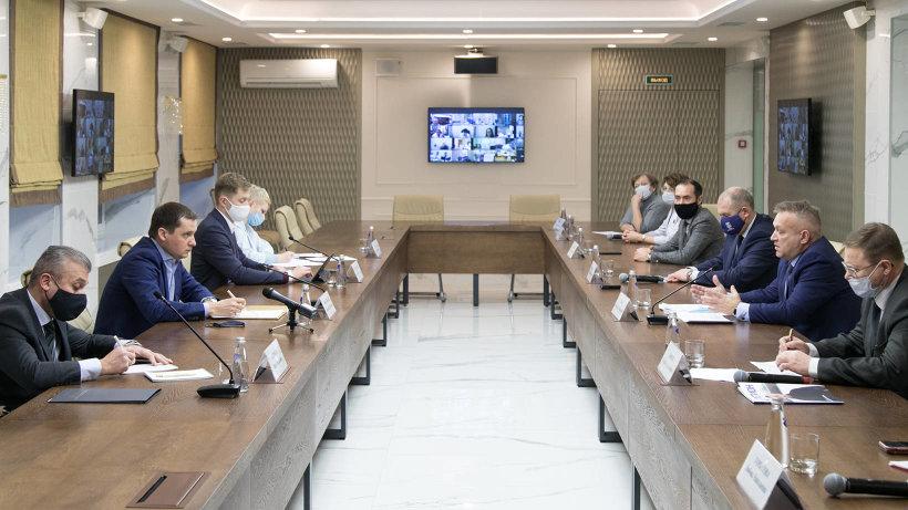 Александр Цыбульский встретился с представителями профсоюза работников здравоохранения Архангельской области