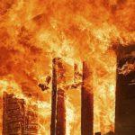 При пожаре в деревне Наволок Виноградовского района погиб 85-летний мужчина