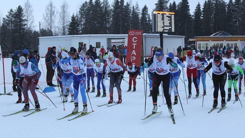 Декада спорта и здоровья: 175 северян вышли на старт Рождественской лыжной гонки