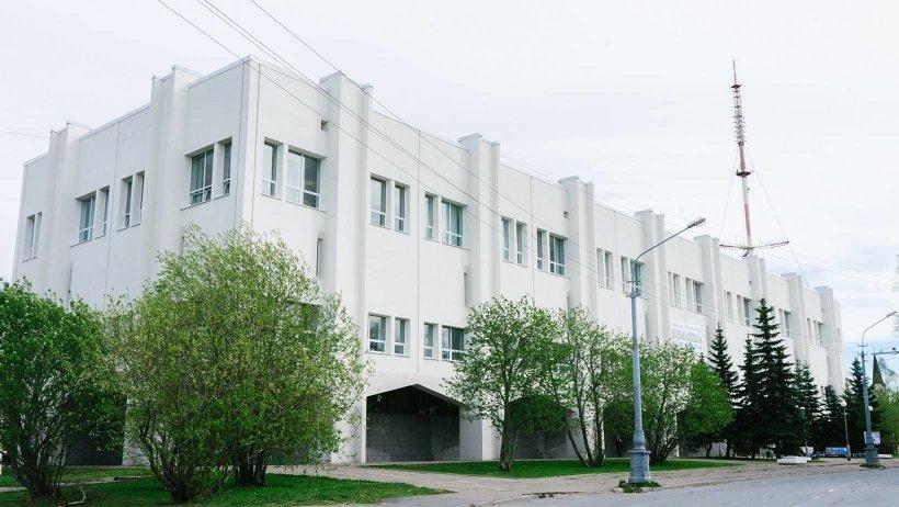 Дом над Двиной – 40 лет зданию Добролюбовки