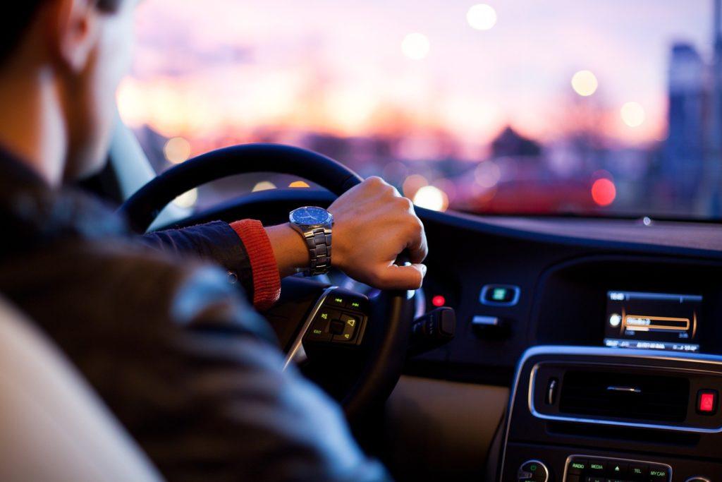 В России с 1 мая изменятся правила купли-продажи автомобилей