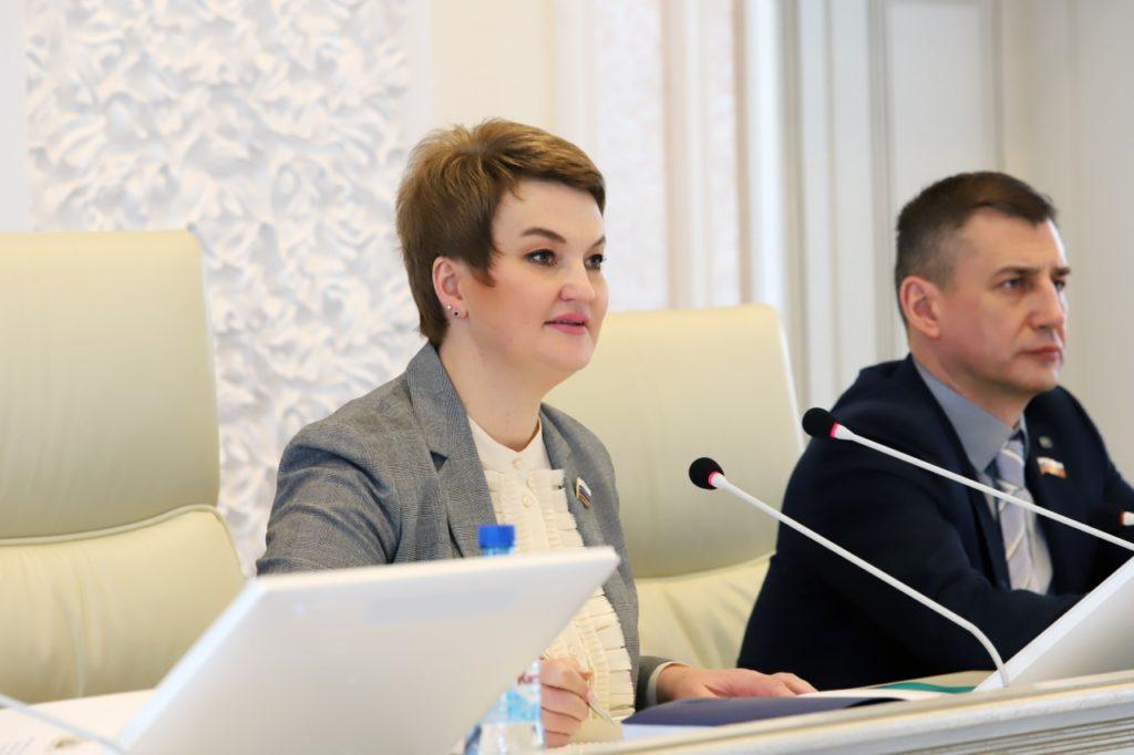 Екатерина Прокопьева: «Благодаря слаженной работе депутатского корпуса нам удалось принять важные для людей решения в экономике и социальной сфере»