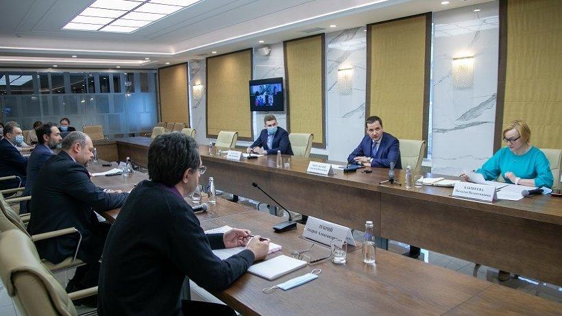 Александр Цыбульский встретился с представителями профсоюза работников культуры