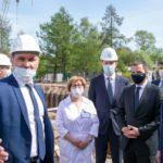 Александр Гуцан проверил ход строительства нового корпуса Архангельской областной детской клинической больницы