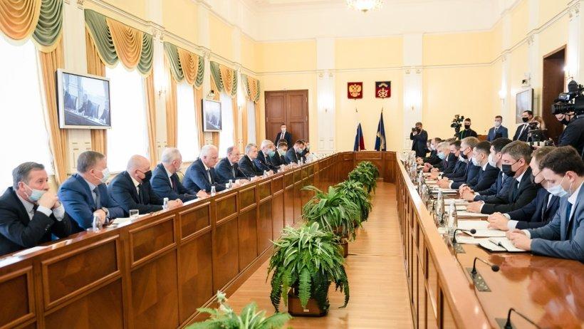 Александр Цыбульский принял участие в совещании по актуальным вопросам национальной безопасности