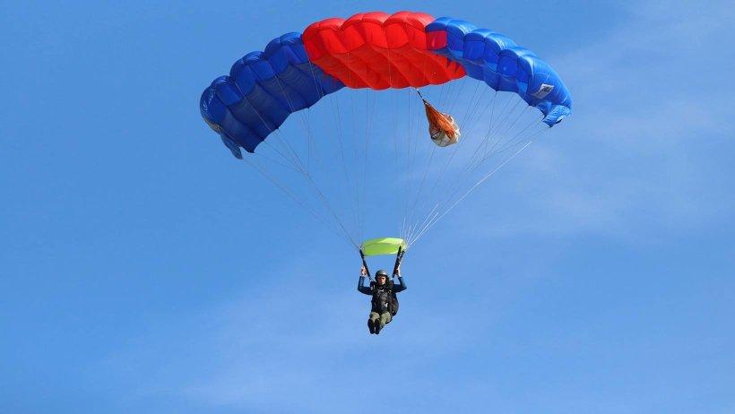 Прыжок с парашютом теперь можно совершить и в Архангельске