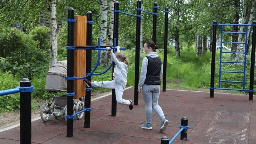В Холмогорах продолжается благоустройство Парка Победы