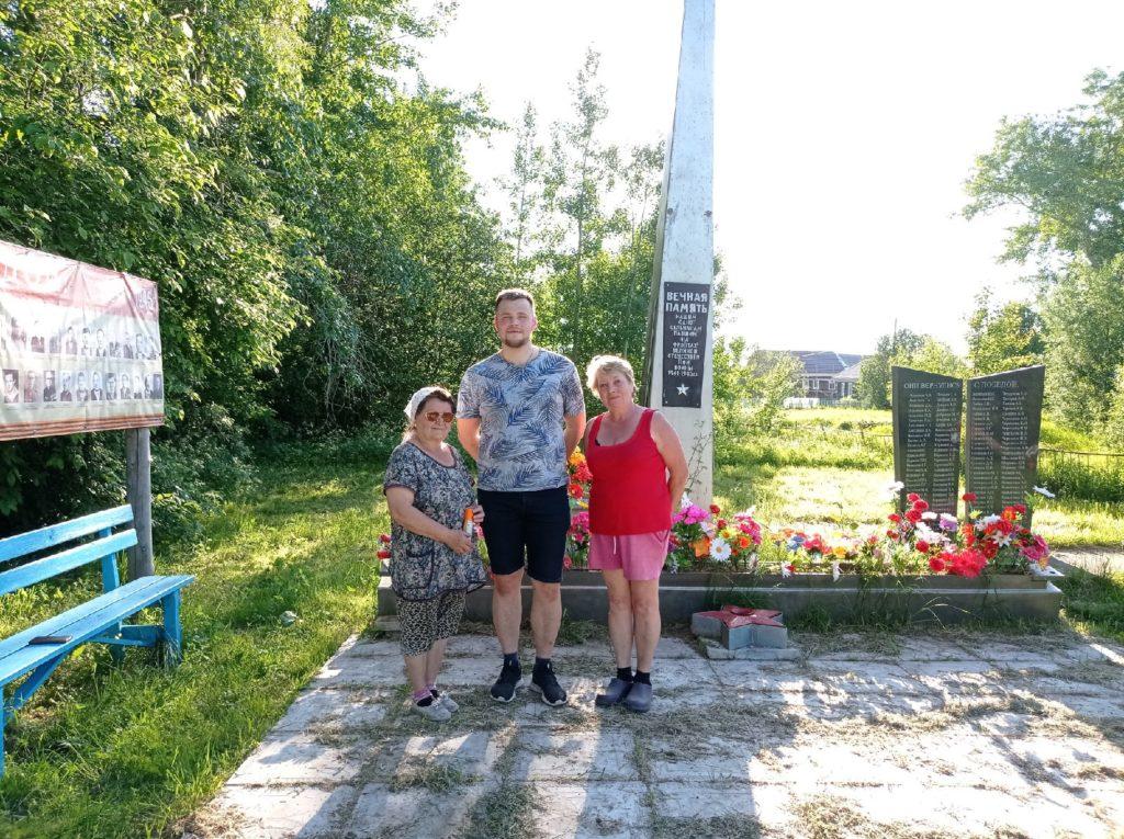 Студенческие отряды САФУ вышли на субботник в Конецгорье Виноградовского района