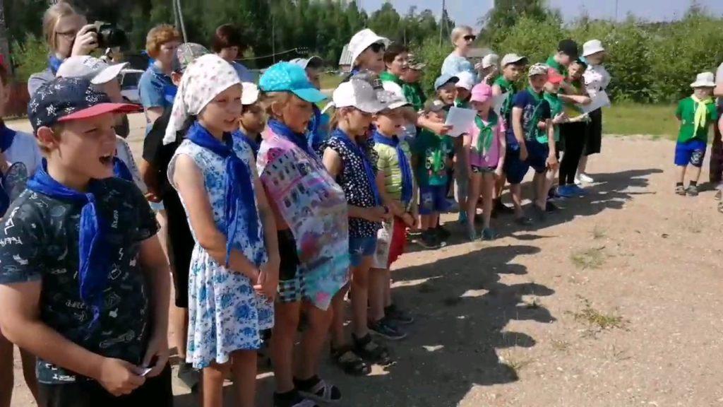 Митинг «Пусть свечи памяти горят» состоялся в Сельменьге Виноградовского района