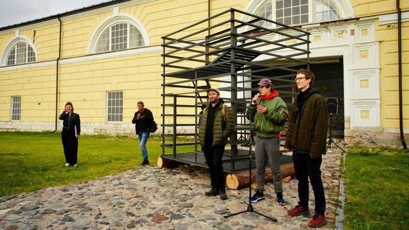 Краснодарские художники подарили Архангельску инсталляцию, посвященную истории типографии