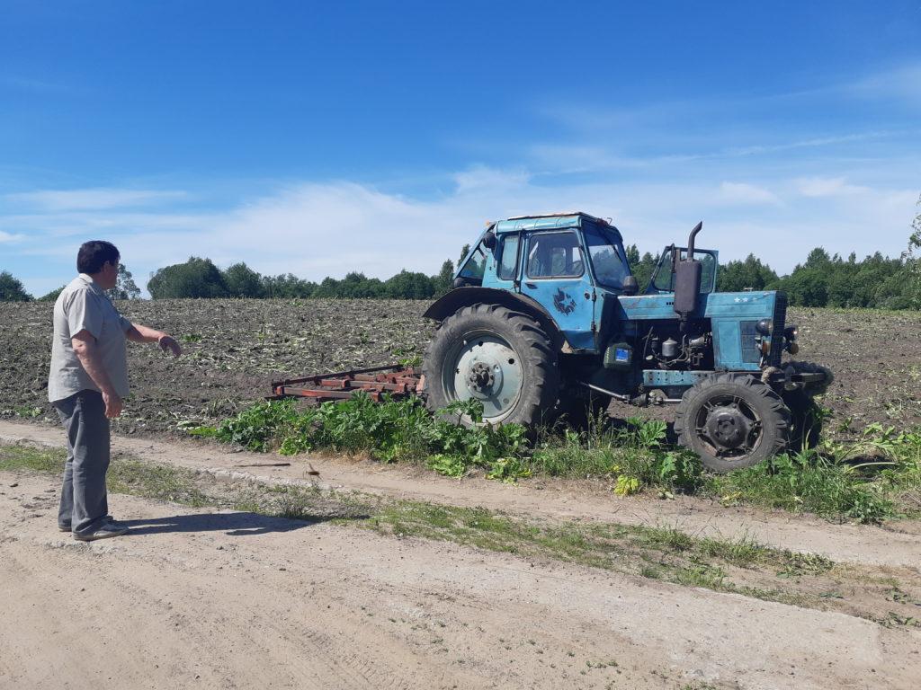 Борьба с борщевиком Сосновского идет в Виноградовском районе на всех фронтах