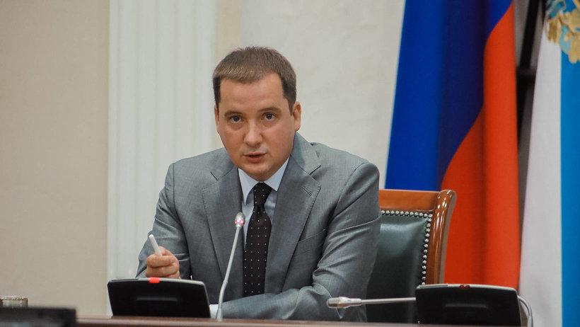 Александр Цыбульский предложил вручать молодым родителям наборы при рождении малыша