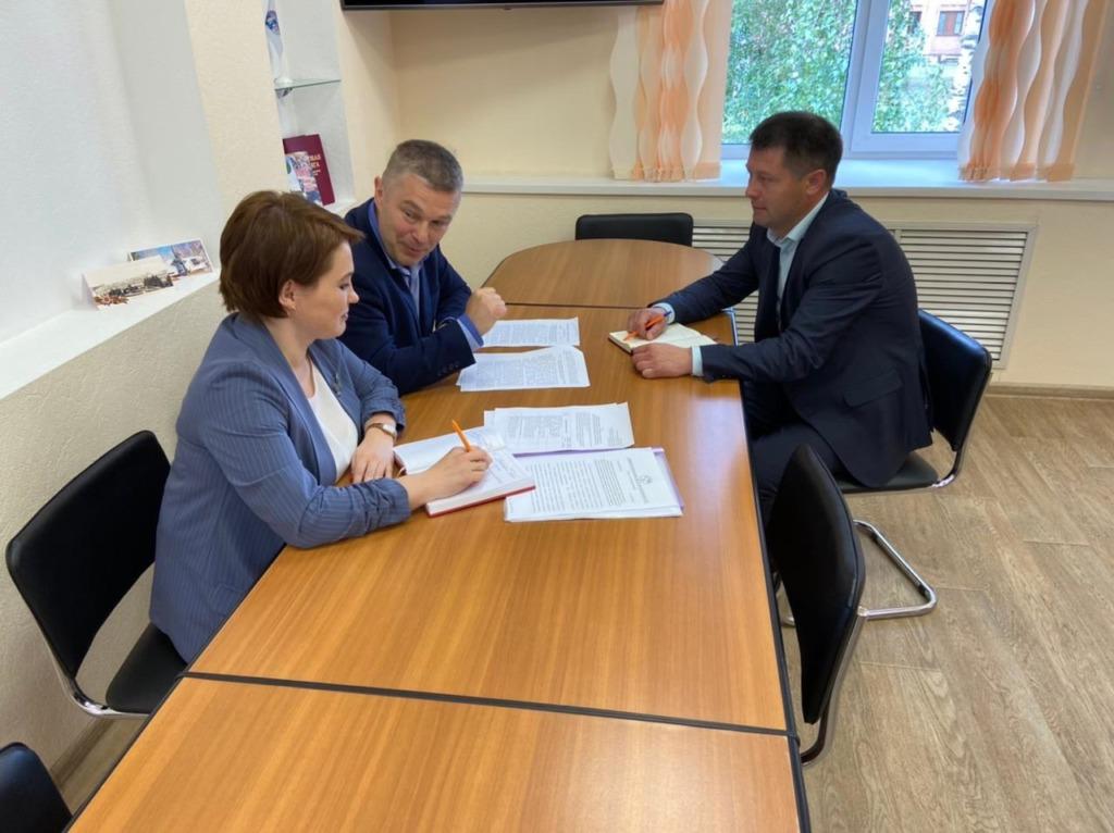Виноградовский район с рабочим визитом посетил председатель областного избиркома Андрей Контиевский