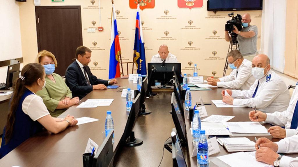 Заместитель генпрокурора России Алексей Захаров представил нового прокурора Архангельской области