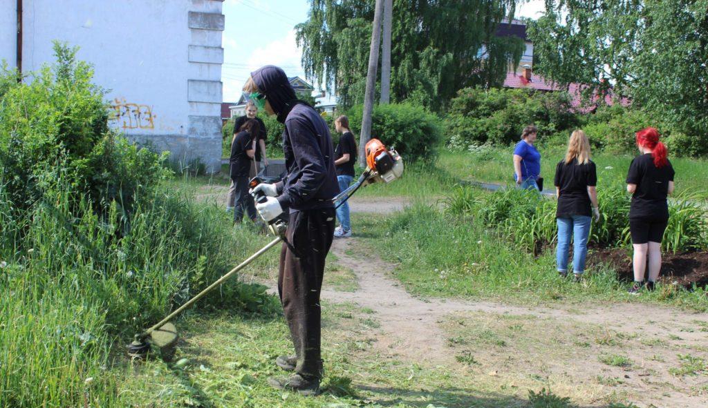 В Поморье подведены итоги летней кампании по трудоустройству подростков