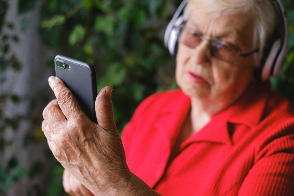 Пользоваться всеми услугами ГИС ЖКХ можно будет с помощью специального мобильного приложения